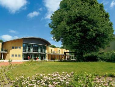 Die Fachpflege Mühlenredder liegt zentral in unmittelbarer Nähe zum Martin-Luther-Krankenhaus in Sch...