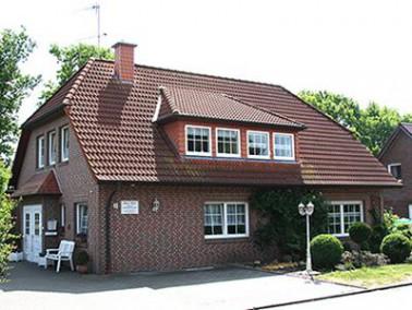 Nur drei Kilometer von der von der Kurstadt Bad Zwischenahn entfernt, liegt das Senioren-Pflegeheim ...