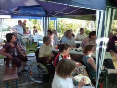 Das Pflegeheim Limbach liegt zentral und doch ruhig in der schönen Goldschlägerstadt Schwa...