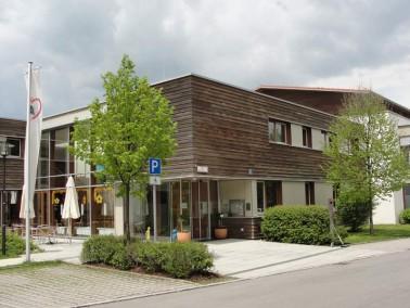 Das AWO-Seniorenzentrum Sauerlach wurde im September 2004 eröffnet und liegt ca. 30 km süd...