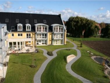 Der Seniorenwohnpark Duingen liegt an einer wenig befahrenen Straße im Zentrum Duingens, umgrenzt vo...