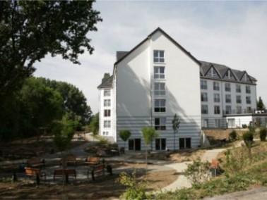 Das im Januar 2011 eröffnete Integra Seniorenpflegezentrum liegt in Hannover-Stöcken, umge...