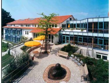 Im Nordwesten von Lindau, im Herzen des Ortsteiles Reutin, liegt das Senioren- und Pflegeheim Reutin...