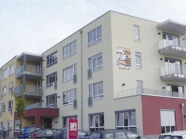 Das Seniorenzentrum Bergstraße befindet sich in Bickenbach im Landkreis Darmstadt-Duisburg. Da...