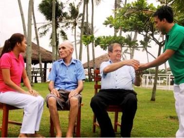 Das Mabuhaii Nursing Home ist ein Pflegeheim speziell für Alzheimer- und Demenzerkrankte auf der Ins...