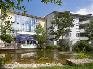 Schon der erste Eindruck des Wohnparks in Neuendettelsau beeindruckt die Senioren, die sich nach ein...