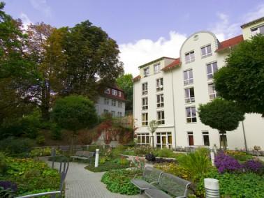 Am Hang des Liebenbaches gebaut, eröffnet sich vom AWO-Altenzentrum Spangenberg der Blick &uuml...