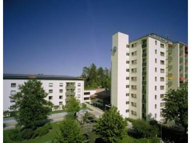 Im  Betreuten Wohnen  stehen Appartements und 2-Zimmer-Wohnungen zur Verfügung. Jede ist mit ei...