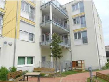 Das Arche Noris Pflegezentrum liegt zentral im schönen Münchner Stadtteil Moosach und biet...