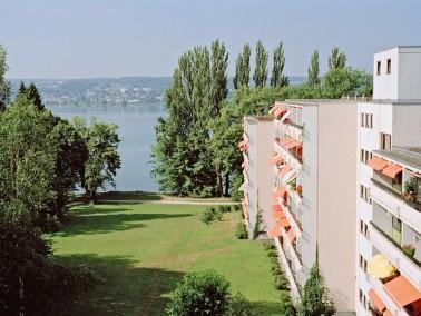 Lebensart zwischen See und Bergen   Das KWA Parkstift Rosenau liegt in einer großzügigen...