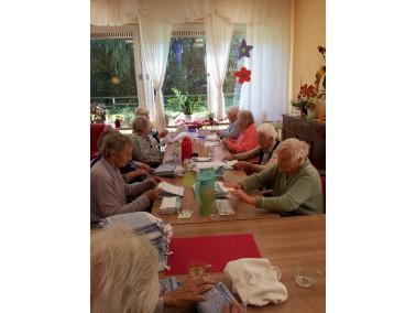 Mit der Tagespflege bieten wir Pflegebedürftigen und Demenzkranken Menschen ein Programm, das i...