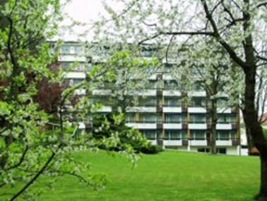 Zentral in Osterhofen liegt das Haus St. Antonius. In nur wenigen Minuten können die Bewohner d...