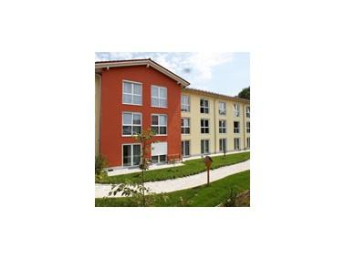 Seniorenwohnen Altoland    Das Seniorenwohnheim Altomünster ist ein offenes Haus mit langer Tr...