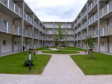 Freie Wohnung!    Ab 10.03. steht eine komfortable Zweiraumwohnung für eine Person im 1. OG un...