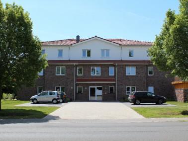 UNSERE STADTVILLA   Die Stadtvilla umfasst insgesamt 12 hochwertige Eigentumswohnungen sowie gro&sz...