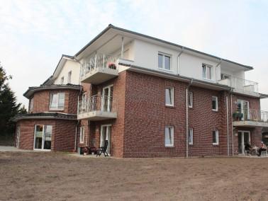 UNSERE STADTVILLA   Auf einem zentral gelegenem Grundstück am Brumidik in Schortens befindet s...