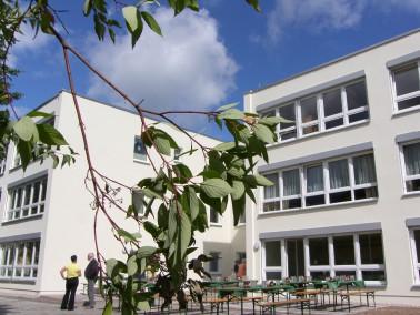 Die Servicewohnanlage liegt in einem ruhigen Wohngebiet im Norden von Ilmenau, gute Anbindung an den...