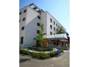 Das 2012 neusanierte Altenzentrum St. Elisabeth bietet in verschiedenen Wohnbereichen individuelle P...