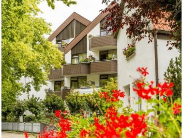 Gepflegt Wohnen im Kurort     Ein großer Wintergarten ermöglicht den Blick auf den eigene...