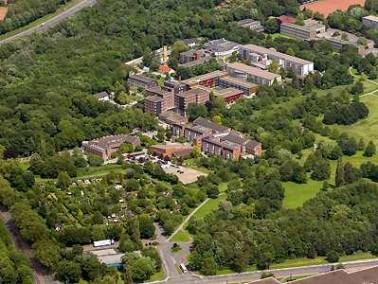 Die Lage    Das Evangelische Christophoruswerk befindet sich in Duisburg-Obermeiderich und wirkt ...