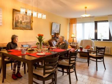 kleine Wohngemeinschaft für 8 Bewohner mit Demenz. Aufgrund der Größe sehr famili&au...