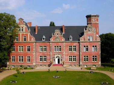 Unser Refugium Schloss Bernstorf bietet großzügige Ein- und Zweizimmerapartments inklusiv...