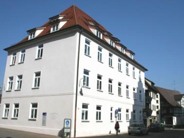 Im Hospiz Haus Maria in Biberach stehen acht Einzelzimmer mit Sanitärbereich, ein Raum der Stil...