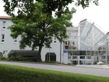 Der Wohnpark St. Franziskus in Ehingen ist eine Altenhilfeeinrichtung mit 56 Pflegeplätzen in 5...