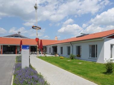 Der Wohnpark St. Klara in Schemmerhofen ist eine Altenhilfeeinrichtung mit 33 vollstationären P...