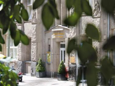 Das Senioren-Domizil Am Alexanderplatz befindet sich in einem wunderschönen Altbau aus dem Jahr...