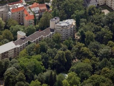 Das Senioren Centrum Am Stadtpark liegt im Bezirk Steglitz-Zehlendorf, direkt am Steglitzer Park, de...