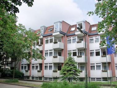 Das Vitanas Senioren Centrum Kastanienhof liegt in einer ruhigen, schönen Seitenstraße mi...
