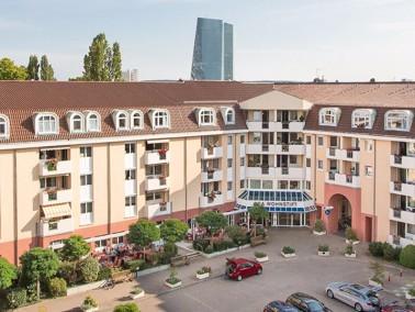 In exzellenter, ruhiger Lage in der Nähe des Zoologischen Gartens und dem Von-Bethmann-Park bef...