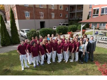 Insgesamt stehen 125 Pflegeplätze im Pflegeheim  Schlosspark Warthausen  zur Verfügung:  ...