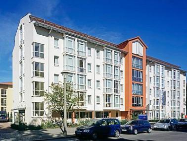 Auf dem rund 5.200 qm großen Grundstück in Berlin-Hohenschönhausen befindet sich das...