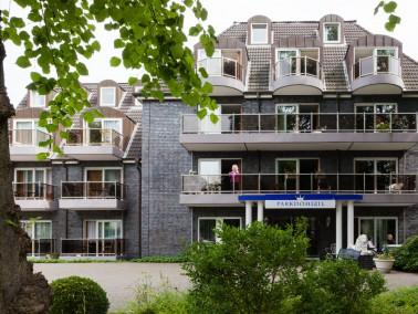 Das Parkdomizil grenzt unmittelbar an den schön gelegenen Bonnepark, in dessen Herzen sich der ...