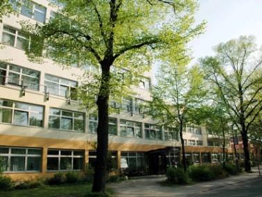 Umgeben von Natur liegt das Senioren Centrum Am Schäfersee im Berliner Bezirk Reinickendorf. Ei...