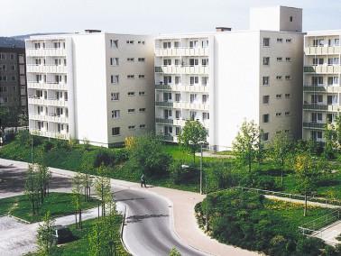 Unsere Pflegeeinrichtung befindet sich in Leinefelde - in herrlich ruhiger Lage mit weitem Blick ins...