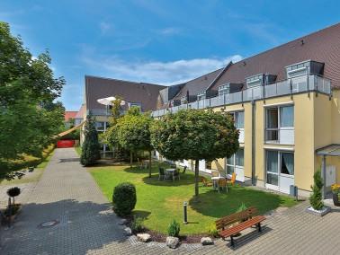 Unsere Pflegeeinrichtung liegt im Süden von Friedberg, am Rande eines Wohngebietes, nahe der St...