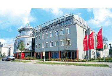 Unsere Pflegeeinrichtung liegt ruhig im gepflegten Wohngebiet Sudenburg, im Süden von Magdeburg...