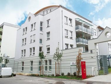 Unsere Einrichtung für Betreutes Wohnen liegt in einem ruhigen Wohnviertel, zentrumsnah und unw...