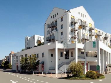 Die Pflegeeinrichtung liegt mitten im Herzen von Homburg, integriert in das Einkaufszentrum