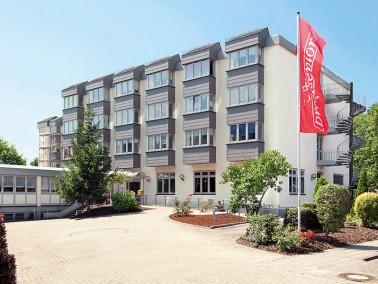 Unsere Pflegeeinrichtung liegt im Landauer Stadtteil Horst, im Grünen und dennoch zentrumsnah. ...