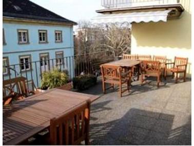 Das bereits in den 50er-Jahren erbaute Karl-Weiß-Heim befindet sich im Zentrum Mannheims, nahe der G...