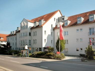 Unsere Pflegeeinrichtung liegt zentrumsnah und doch direkt am Neckar, in einem Wohngebiet, verkehrsg...