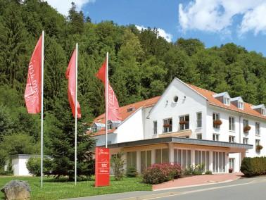 Unsere Pflegeeinrichtung befindet sich am Ortsrand von Wirsberg, inmitten des schönen Frankenwa...