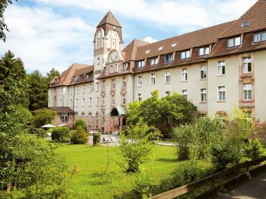 In Ratingen, im beschaulichen Stadtteil Hösel, befindet sich unsere Pflegeeinrichtung. Die denk...