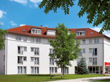 Unsere Pflegeeinrichtung liegt unweit des Zentrums von Straubing, in einem ruhigen Wohngebiet &ndash...