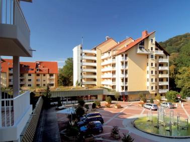Unsere Pflegeeinrichtung ist nur einen Steinwurf von der Innenstadt entfernt – stadtnah und zu...