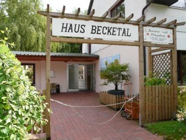 Unser Haus liegt im landschaftlich reizvollen Löhnhorst – unmittelbar an der Grenze zu Br...